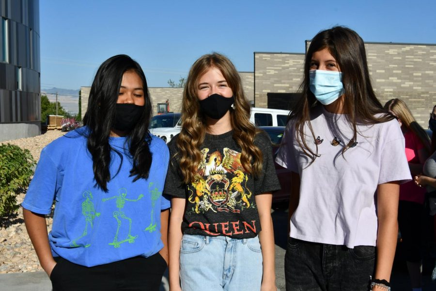 Wearing masks to prevent the spreading of Covid-19, students attend this year's Freshmen Orientation.