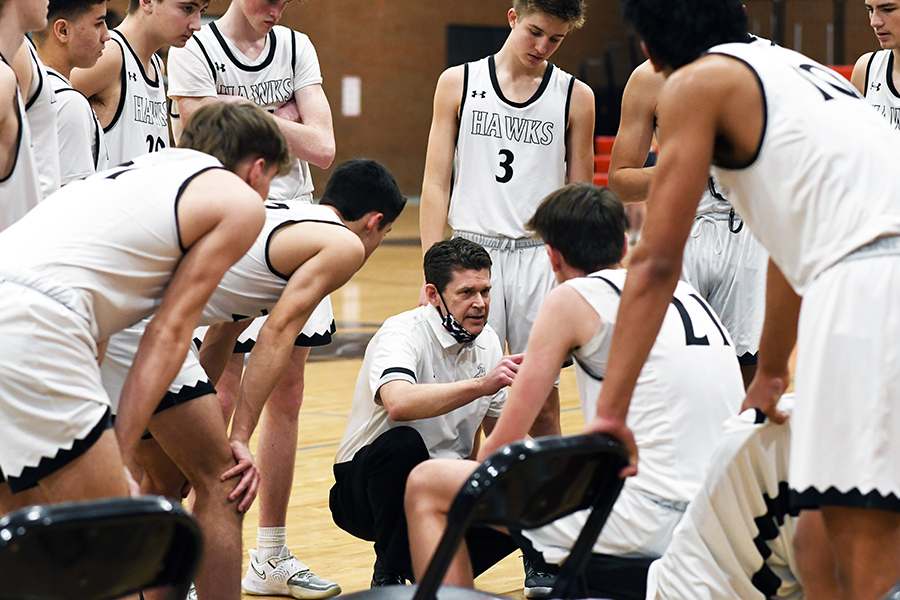 Coach+Jim+Barker+speaks+to+the+team+during+a+timeout+in+the+first+game+of+the+state+tournament+with+Murray.+The+team+takes+on+highly+seeded+Timpview+in+the+quarterfinals+on+Wednesday.