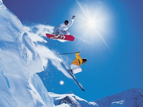 What to Look for When Buying a Snowboard or Skis